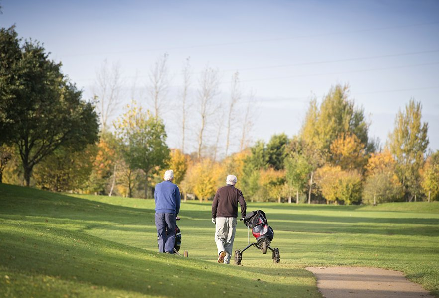 Homes overlooking Shrivenham Golf Course