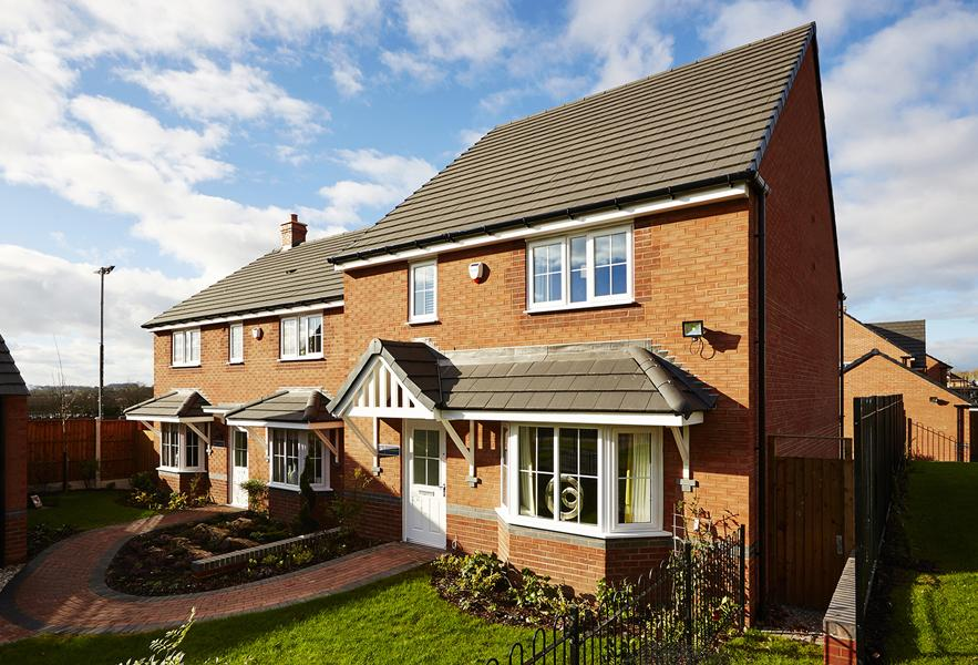 Chasham and Thame show home exteriors in Shifnal