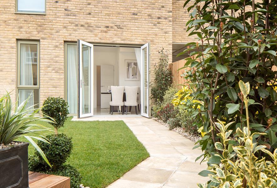 Trinity Square Show Home Garden/Patio