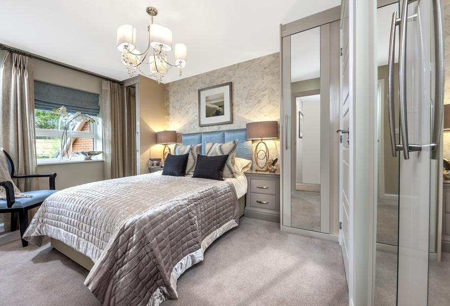 Barwick master bed