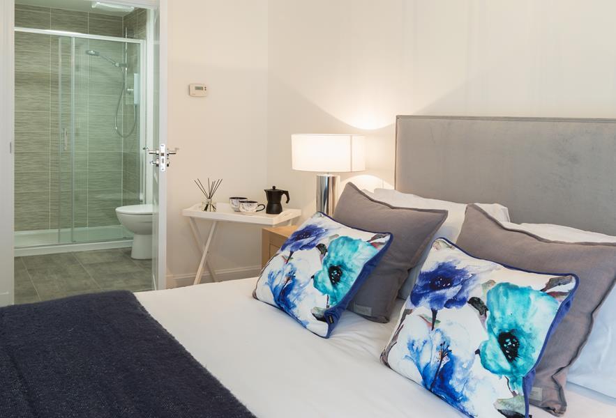 Rougvie bedroom