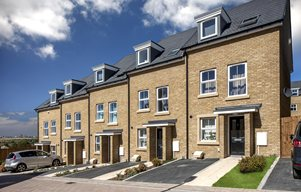 Traditional+new+homes+at+Phoenix+Quarter%2c+Dartford