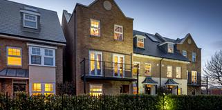 Triity+Village%2c+Bromley+street+scene+by+Ward+Homes+